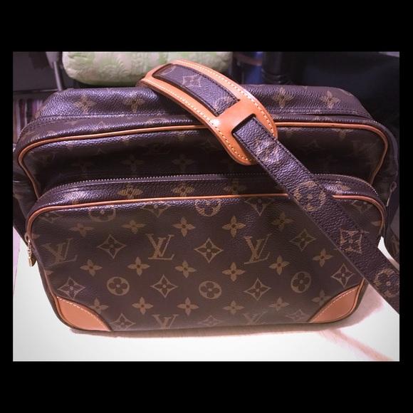 Louis Vuitton Handbags - Authentic Louis Vuitton Monogram Cross Body bag